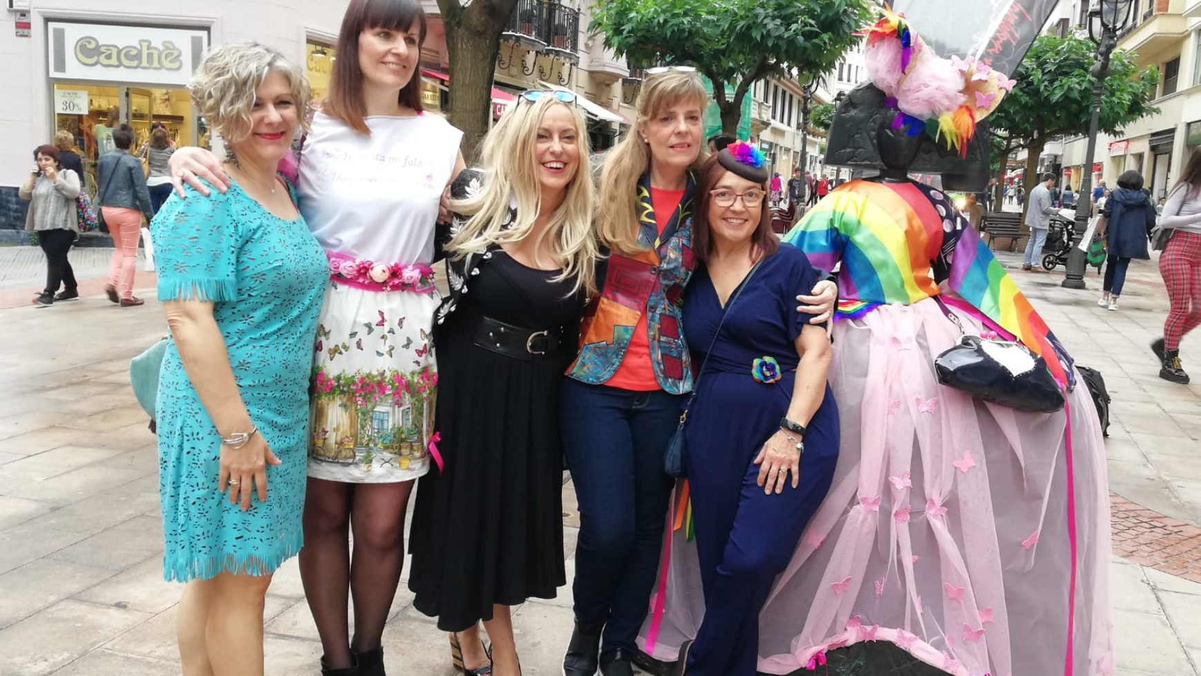 Maite Cobo viste a las Meninas de Bilbao